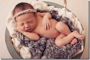 Tiny-Newborn-Photography56